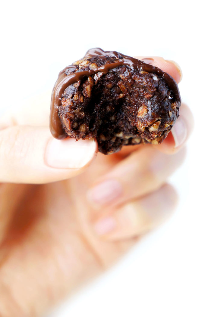 Double Chocolate Energy Bites