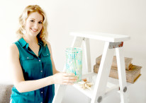 DIY Distressed Ladder Shelf