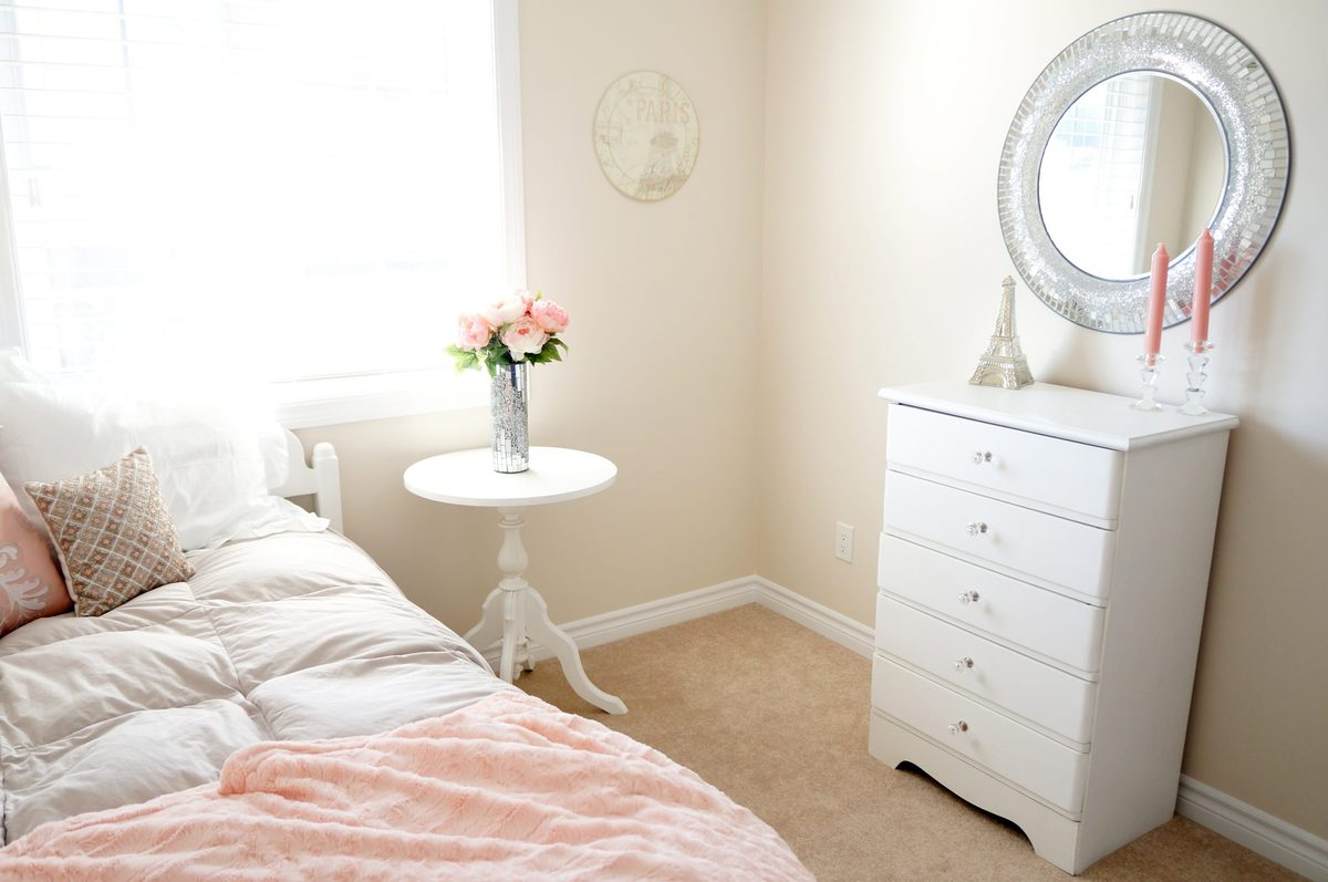 Haute & Healthy Living Blush Bedroom Makeover