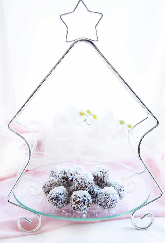 No-Bake Chocolate Mocha Snowballs | Haute & Healthy Living
