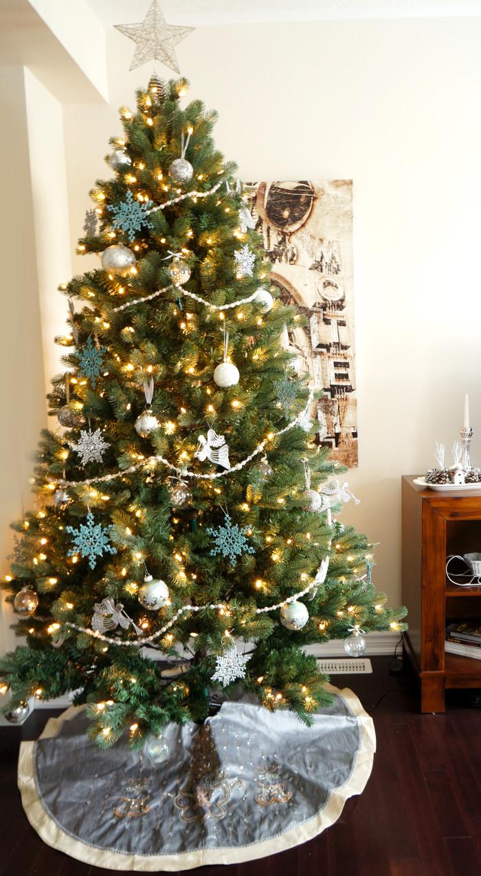 Christmas Living Room Makeover | Haute & Healthy Living