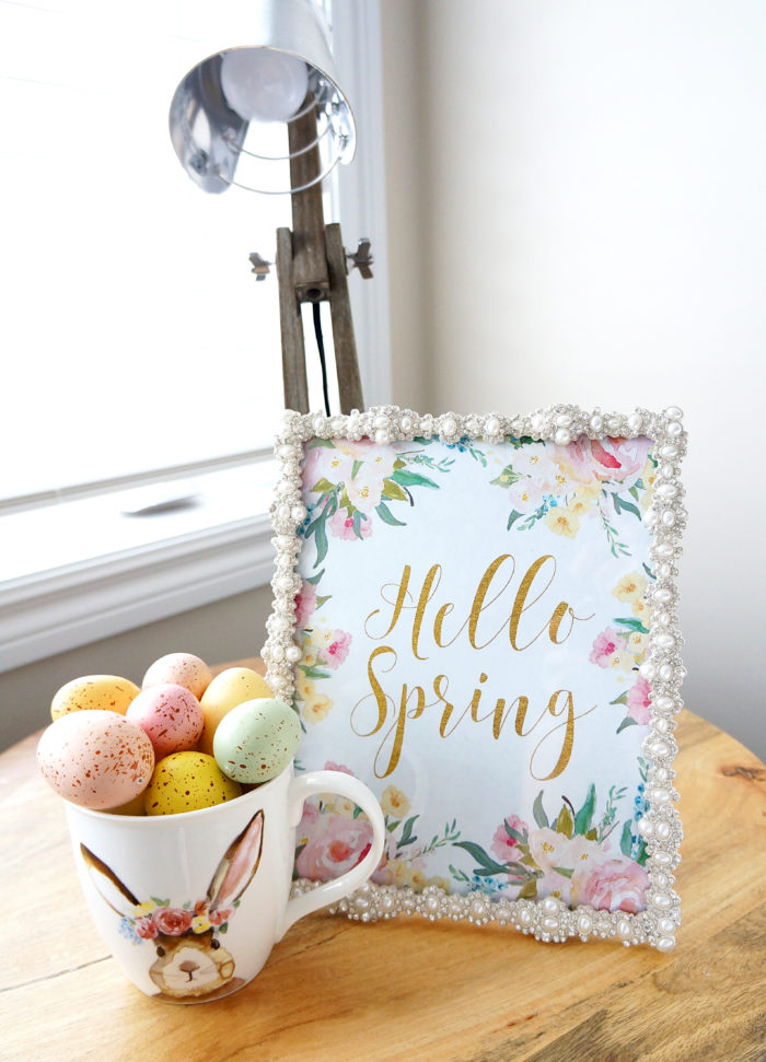 Pretty Spring printable with pastel Easter eggs for Spring decoration