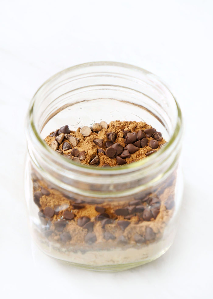 DIY Chocolate Brownie Mason Jar Overnight Oats