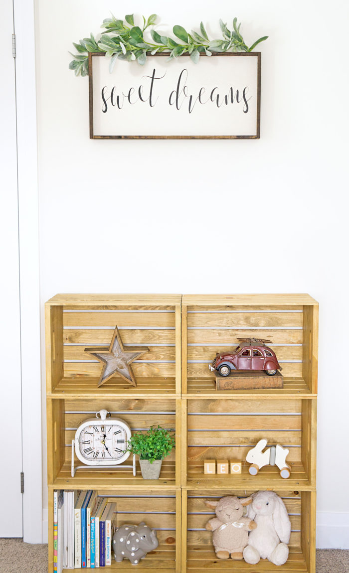 DIY Wooden Crate Shelf